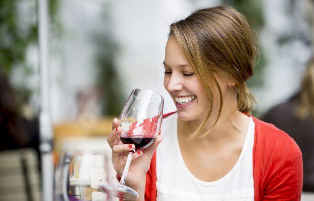CONSUMI, MODERAZIONE, TREND, vino, WINE INTELLIGENCE, Mondo