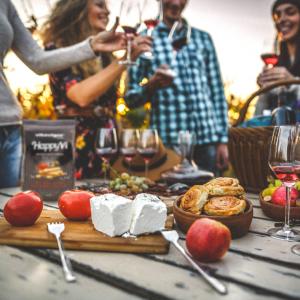 Vegano, alla cannabis, social, rosato, arancione: ecco dove va il mondo dei consumi di vino