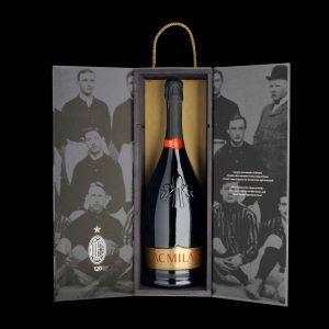 """Da sempre, e per i 120 anni del Club, il Milan brinda con le bollicine di """"casa"""": il Franciacorta"""