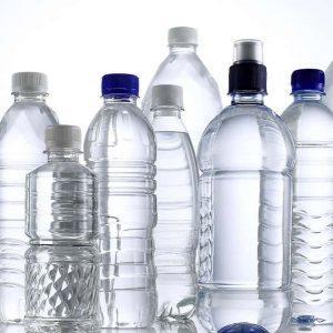 Acqua in bottiglia di plastica, in Italia vendite raddoppiate in 10 anni