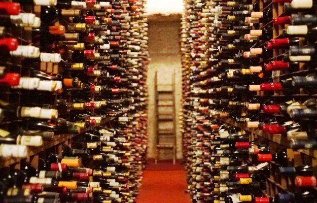 CELLAR, collectors, INVESTIMENTS, MUST BUY, PIEDMONT, TUSCANY, WINE LISTER, News