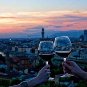 Un grande evento del vino a maggio per rilanciare l'enoturismo in Toscana, il progetto di Avito