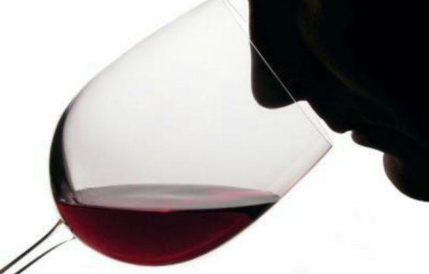 COVID-19, ENOLOGI DI FRANCIA, GUSTO, OLFATTO, vino, Mondo
