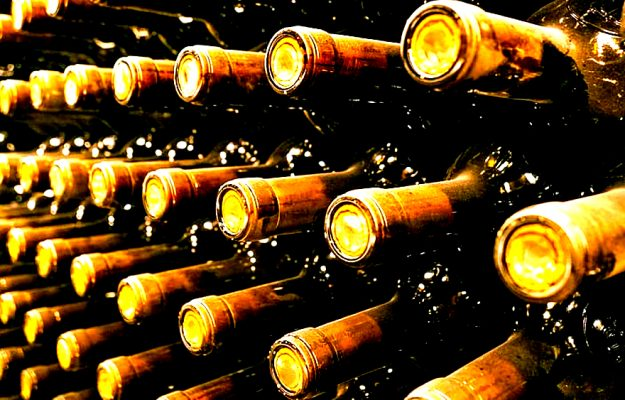FINE WINE, ITALY, LIV-EX, MASSETO, PIEDMONT, SOLAIA, TUSCANY, WINE, News