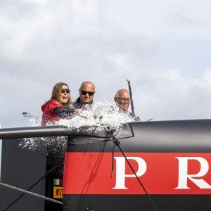 AC 75 Luna Rossa: per il battesimo, una bottiglia di Ferrari Maximum Blanc de Blancs