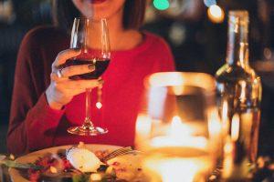 Il vino, tra la grande cucina stellata e piatti che raccontano l'agricoltura di eccellenza