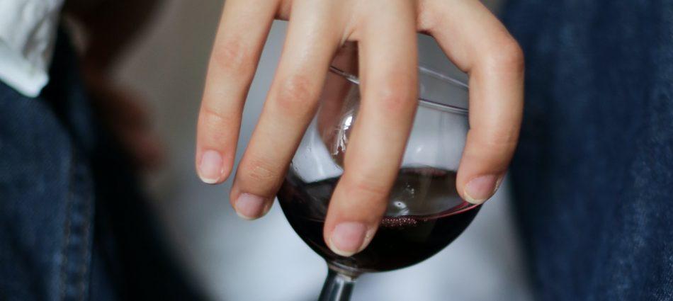 Il mercato del vino tornerà a livello pre-Covid nel 2024. A dirlo l'Iwsr